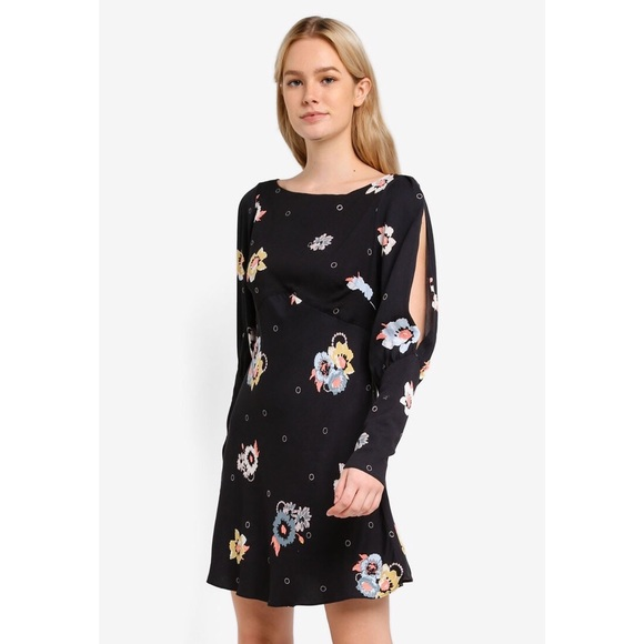 Free People Black Long Sleeves floral Mini Dress 5f03058a6